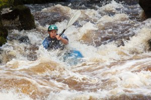 whitewater-kayaker-8712850601465Fqx